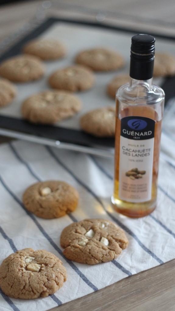 Cookies fondants purée d'amandes, huile de cacahuète et chocolat blanc